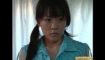 [日本A片] 剛嫁給有女兒女人,女兒卻誘惑我