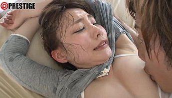 【線上A片】美眉性愛 愛撫噴水 大汗淋漓